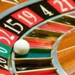 Roda roulette untuk memilih orang tua dalam algoritma genetika